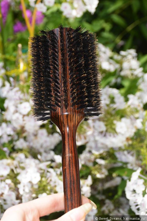 Как выбрать и как использовать фен-щетку для волос?