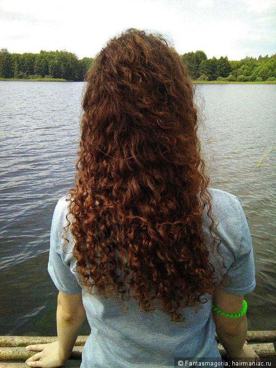 Растрепанные ветром волосы